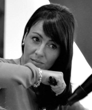 Mónica, gerente de peluquería y estilismo Alcalá de Henares, Minimal Style